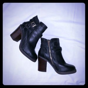 Forever 21 Ankle 3 inch Boots Black Size 7